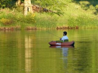 Sites de pêche avec location de barque ou float-tube