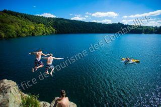 gour de Tazenat Baignade auvergne lac cratère