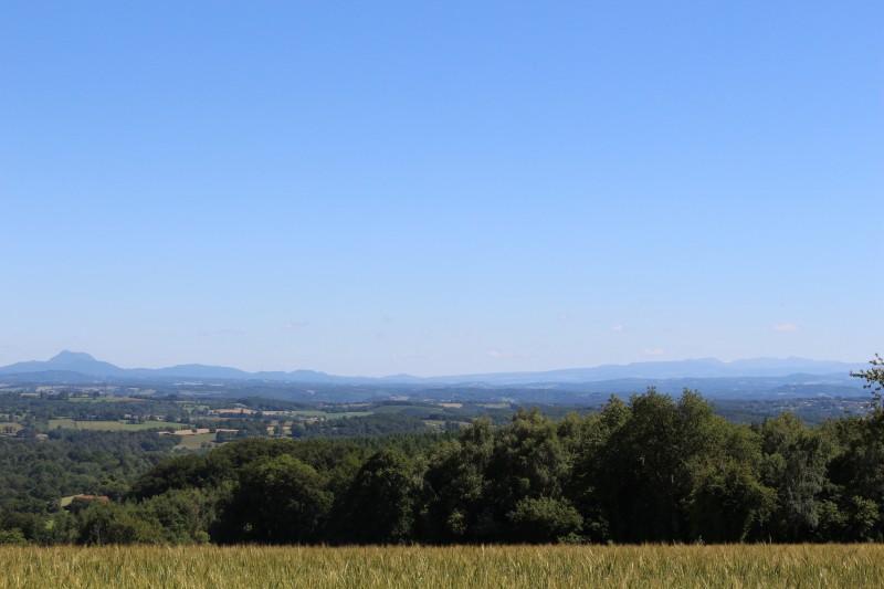 Chaine des Puys et Monts Dore vus de Gouttières