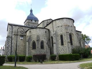 PAT_Eglise_à_Saint_Gervais_d_Auvergne_20120823
