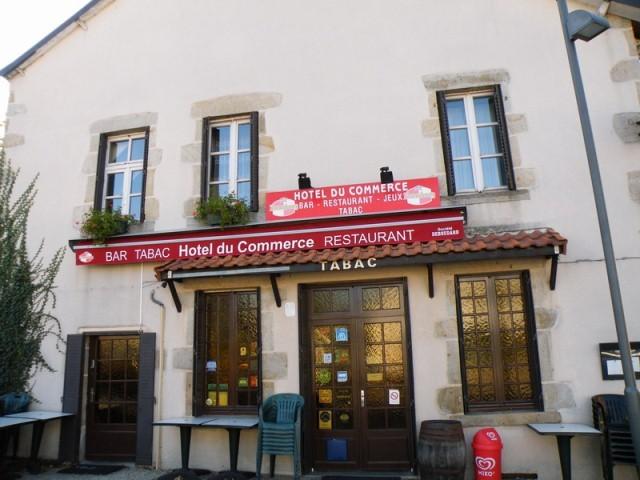 Hotel restaurant le commerce 63390 saint gervais d for Auvergne cuisine traditionnelle
