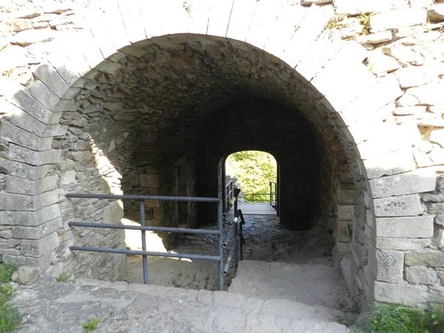 PAT_Château_Rocher_à_Saint_Rémy_de_Blot_20111004